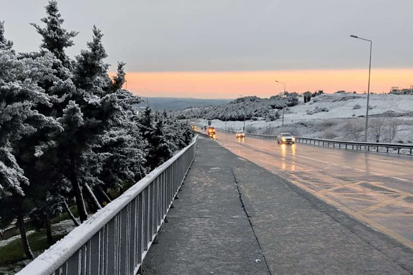 Meteoroloji Uyarmıştı İstanbul'da Kar Yağışı Başladı