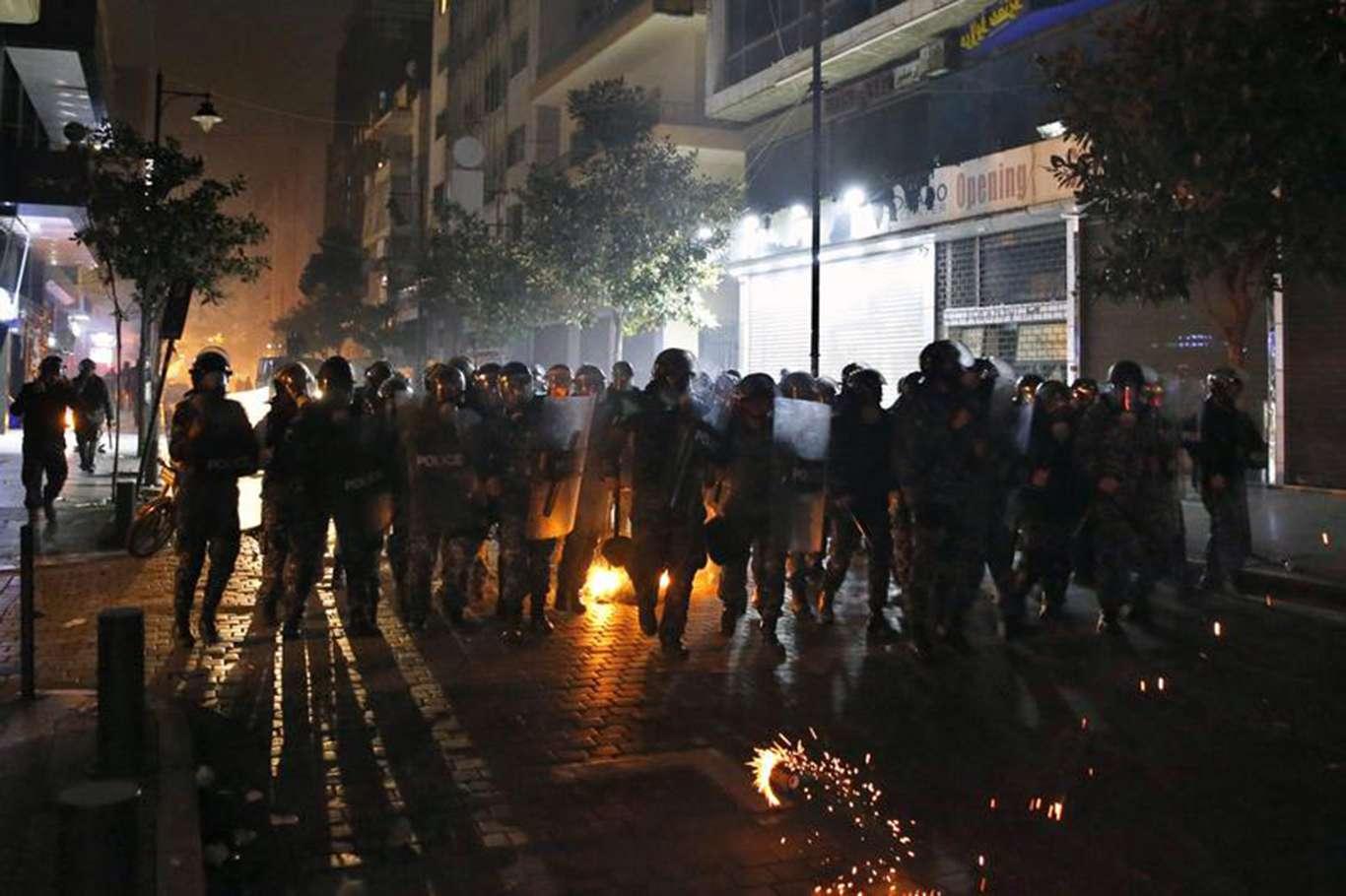 Lübnan'da Gösteriler Çatışmaya Döndü Yüzlerce Yaralı Var