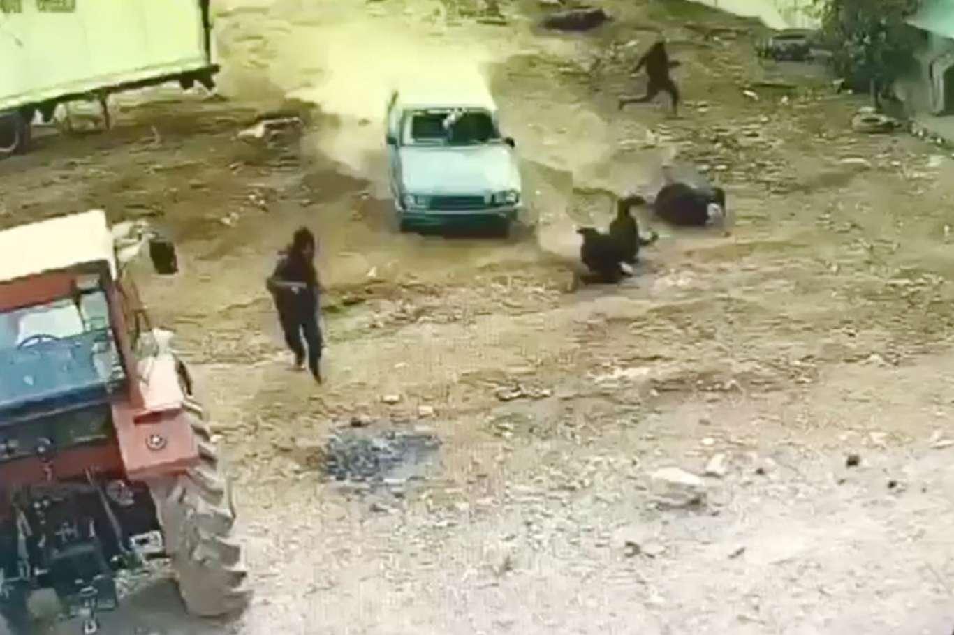Mardin'de Akrabaların Silahlı Kavgası Kameralara Böyle Yansıdı!