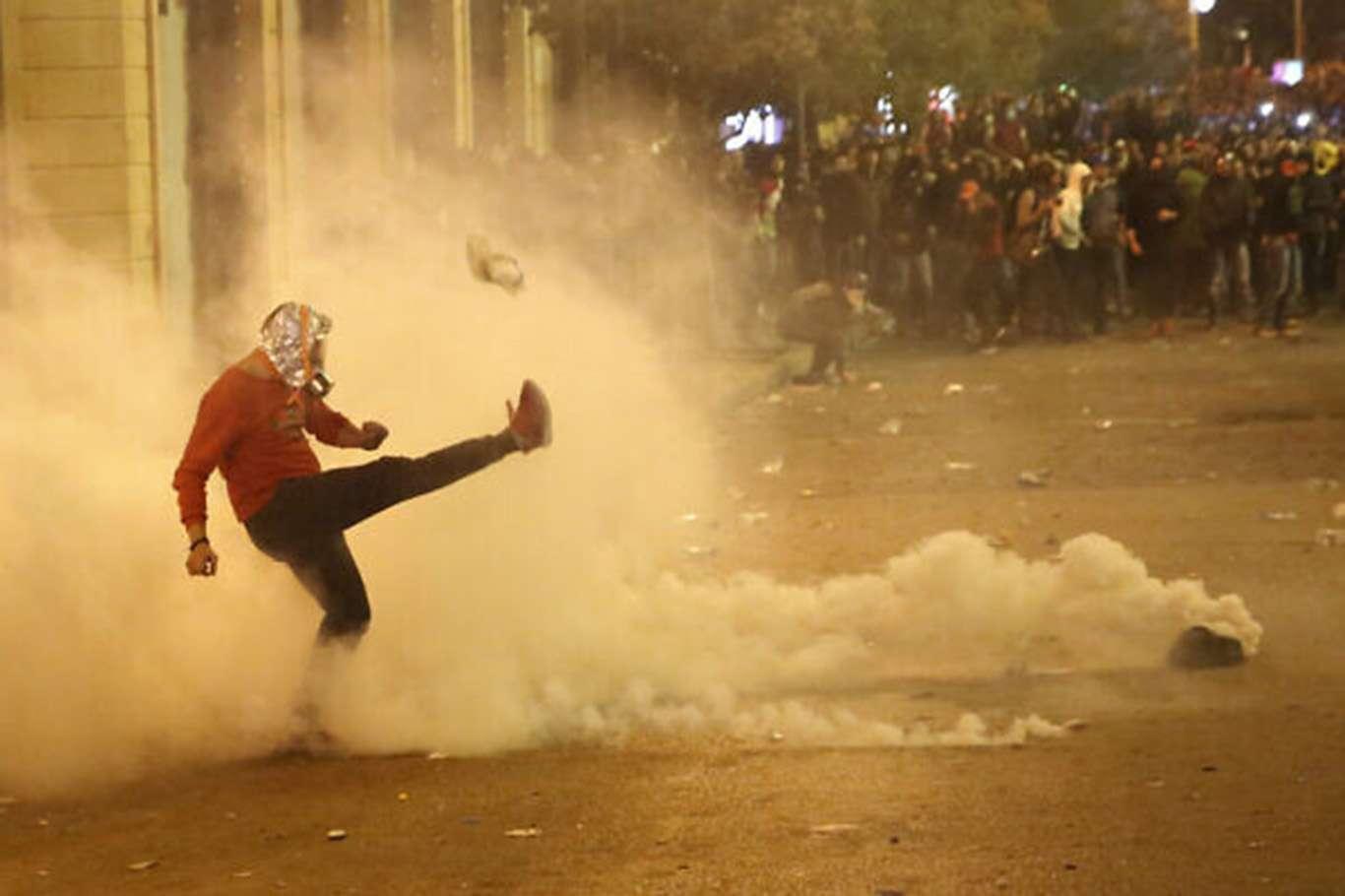 Lübnan'da Başlayan Gösterilerde 70 Çocuk Yaralandı
