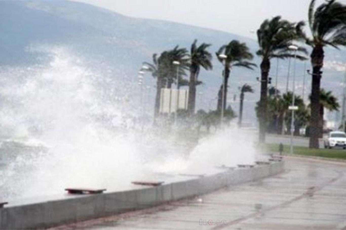 Meteoroloji Uyardı: Bu Gece Bazı Bölgeler İçin Fırtına Ve Yağış