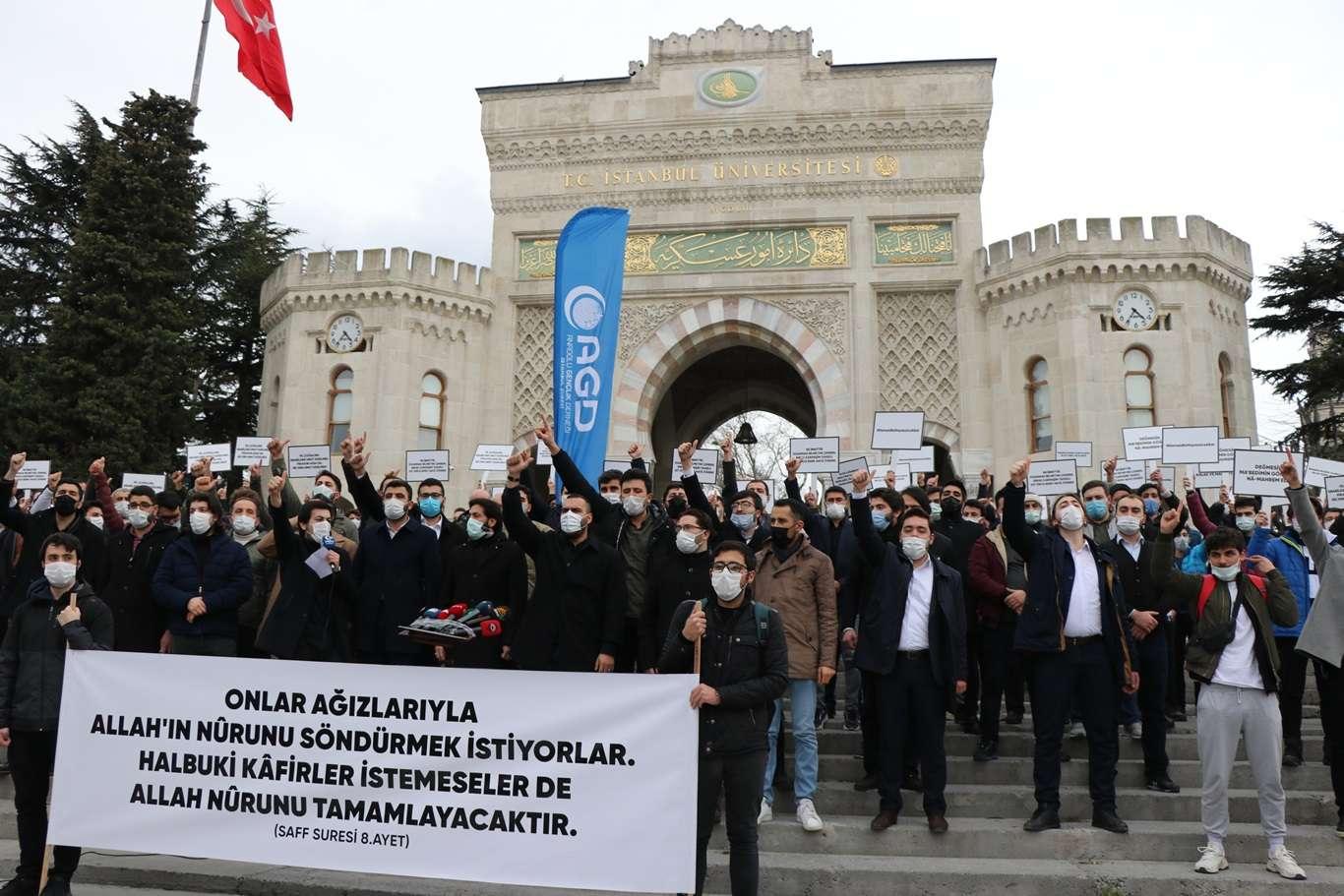 Kâbe'ye Saldıran Sapıklar İstanbul'da Protesto Edildi