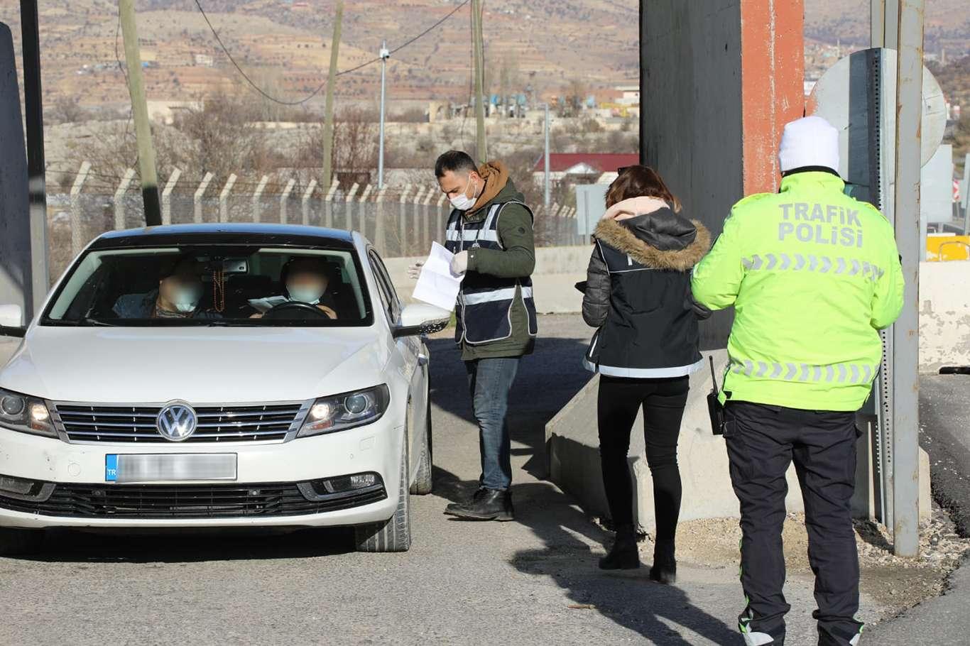 Mardin'de Kuralları İhlal Eden 48 Kişiye Maske Cezası Kesildi
