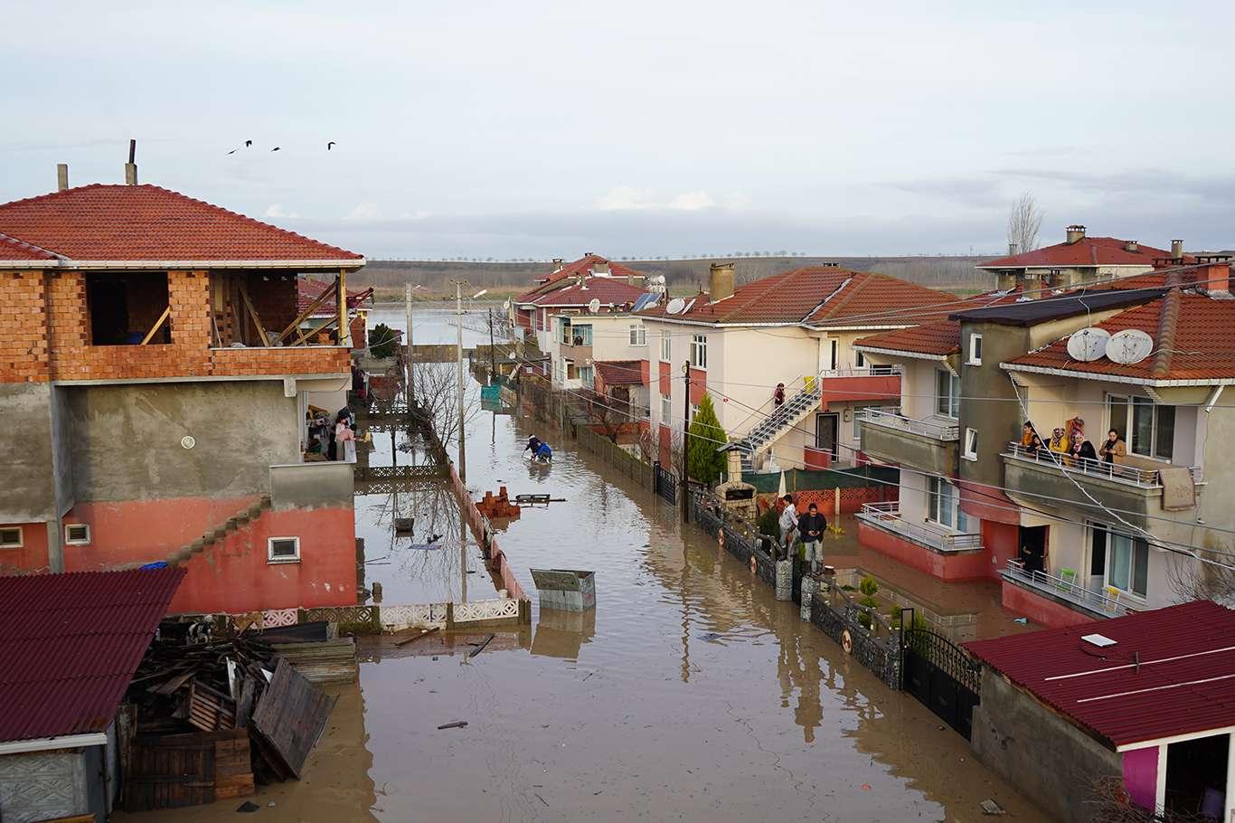 Sağanak ve Şiddetli Yağış Trakya Bölgesinde Sele Neden Oldu