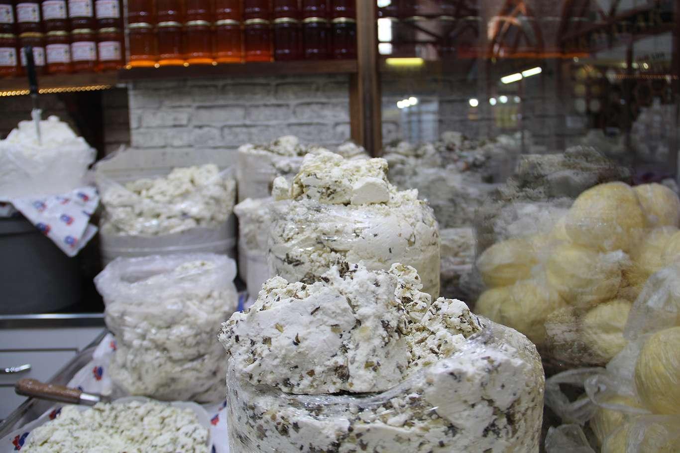 Korona Virüs Salgını Peynirci Esnafını Da Etkiledi