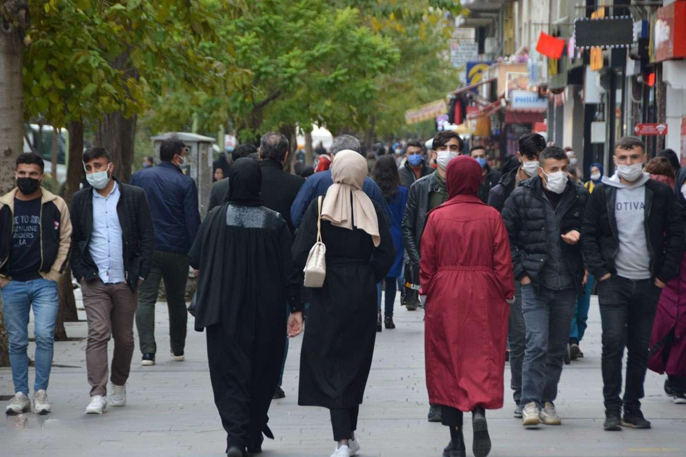 Türkiye'nin Nüfusu Kaç? İstanbul Nüfusu Kaç? Türkiye Nüfusu