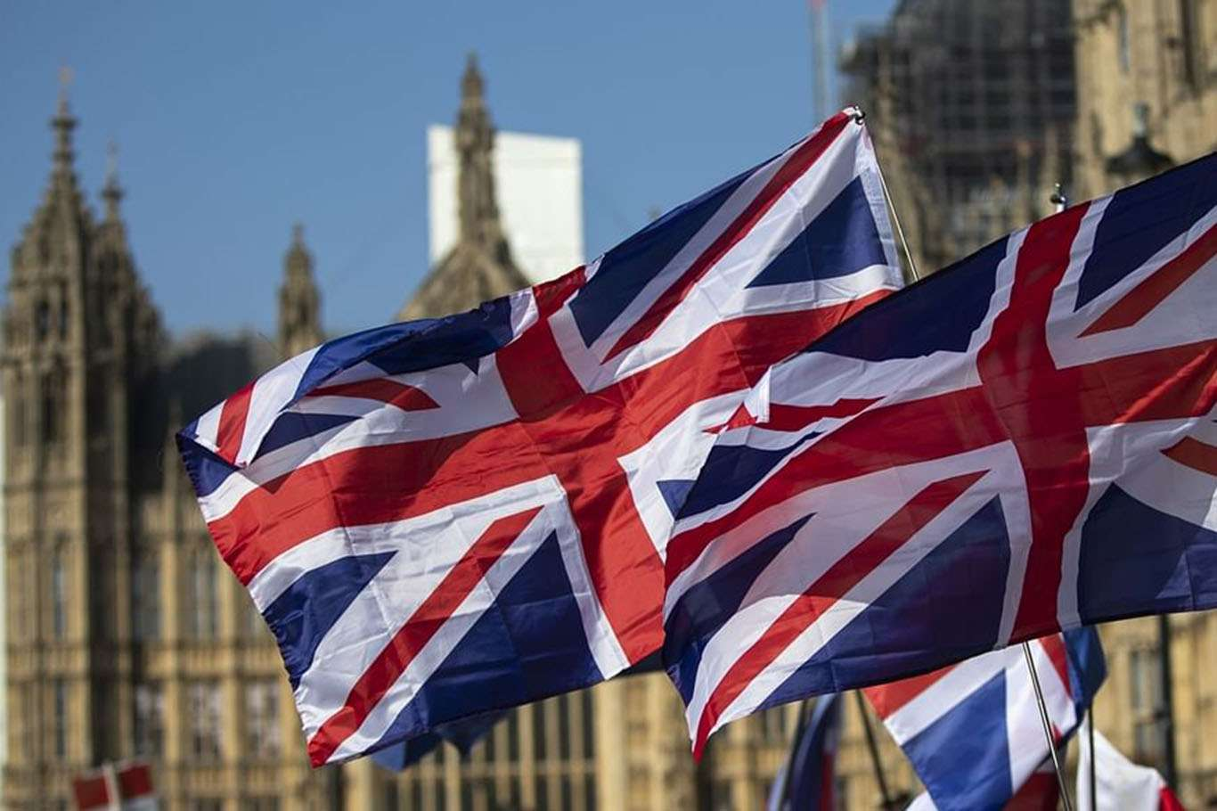 İngiltere'de Hayatını Kaybedenlerin Sayısı 110 Bini Aştı