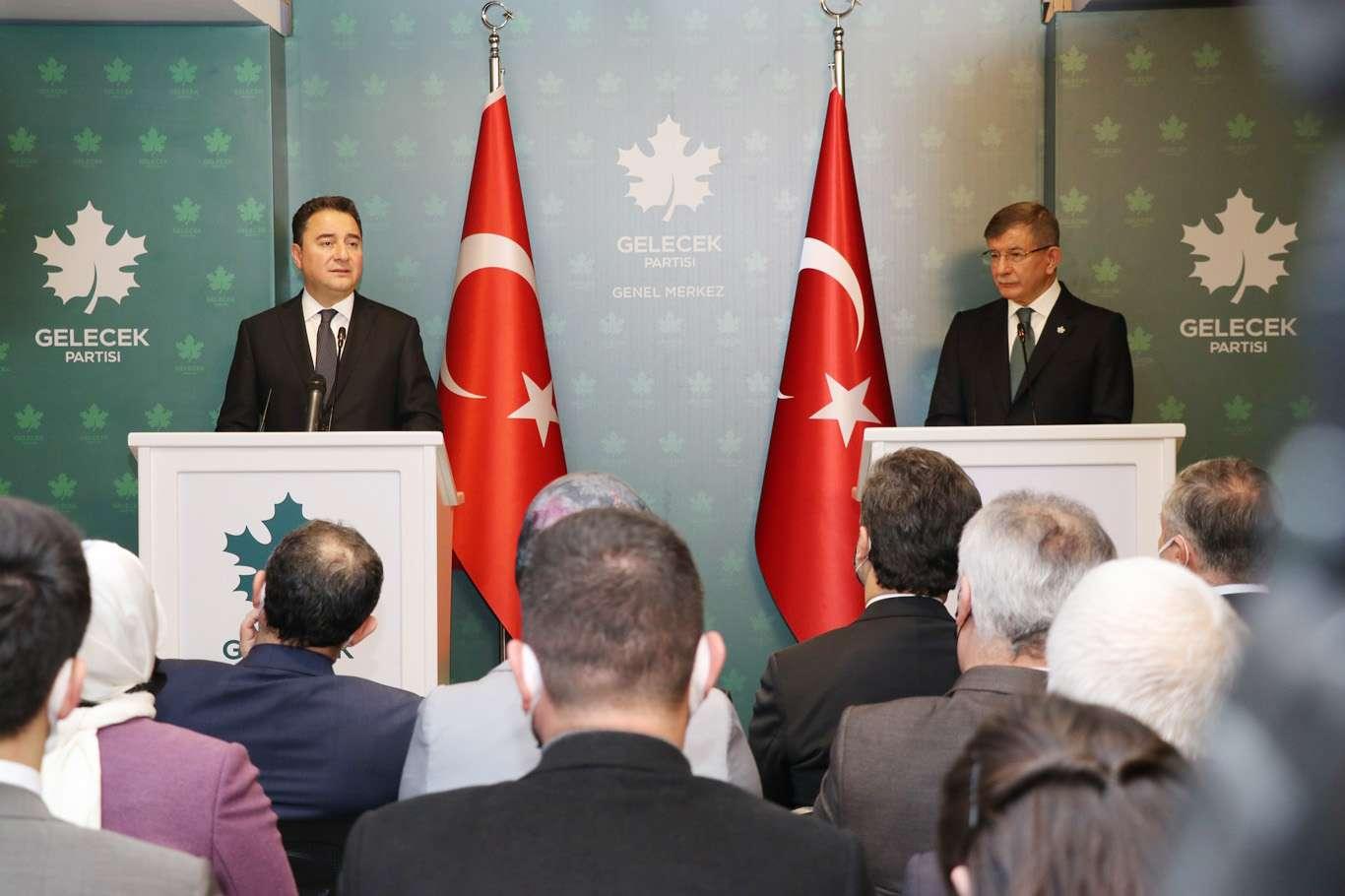 Ali Babacan'dan Ahmet Davutoğlu'na Ziyaret
