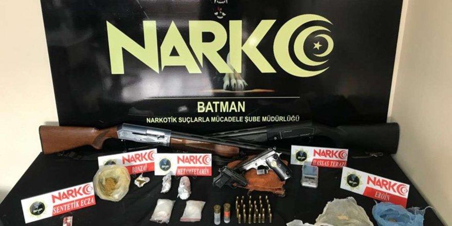 Batman'da Uyuşturucu Operasyonu: 5 Gözaltı