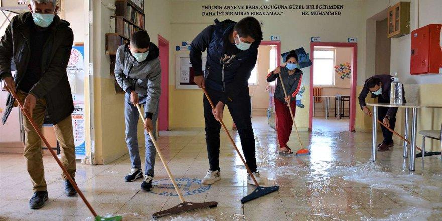Şırnak'ta Köy Okulları Yüz Yüze Eğitime Hazırlanıyor