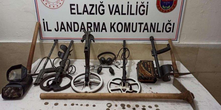 Elazığ'da Kaçak Kazı Yapan Şüpheliler Yakalandı