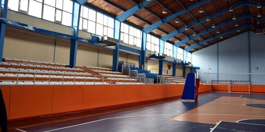 Nusaybin'de Tadilatı Sona Eren Atatürk Spor Salonu Modern Bir Görünüme Kavuştu