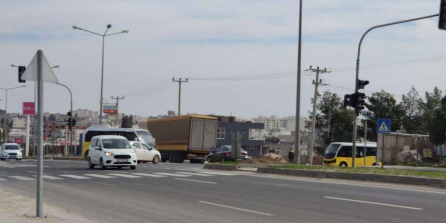 Nusaybin İpekyolu'ndaki Trafik Işıklarının Arızalı Olması Kazalara Davetiye Çıkarıyor