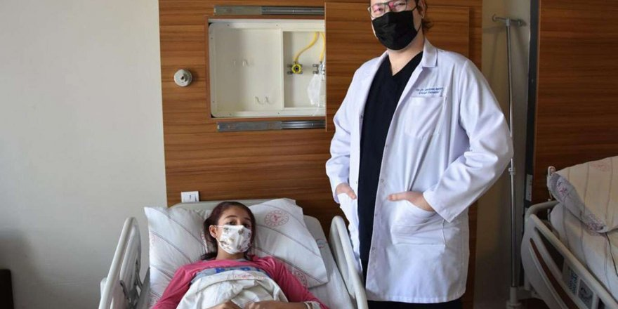 Genç Kızın Karaciğerinden 20 Santimetrelik Kist Alındı