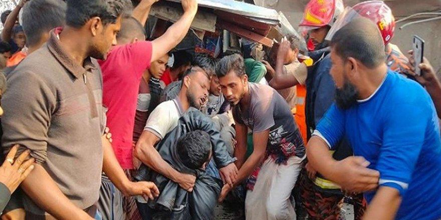 Bangladeş'te Meydana Gelen Trafik Kazasında 10 Kişi Öldü