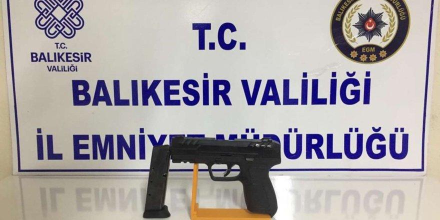 Balıkesir'de Aranan 11 Şahıs Yakalandı