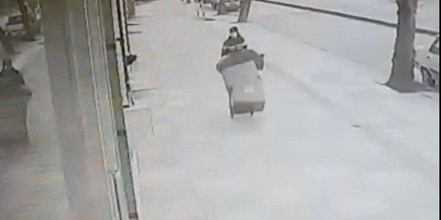 Giyim Mağazasından Elbise Çalan Şüpheli Tutuklandı