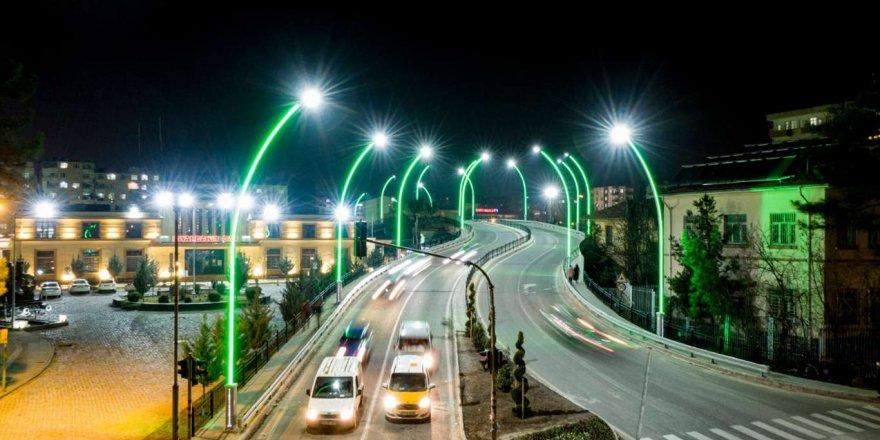 Diyarbakır İstasyon Meydanı Viyadüğü Yenilenip Güçlendirildi