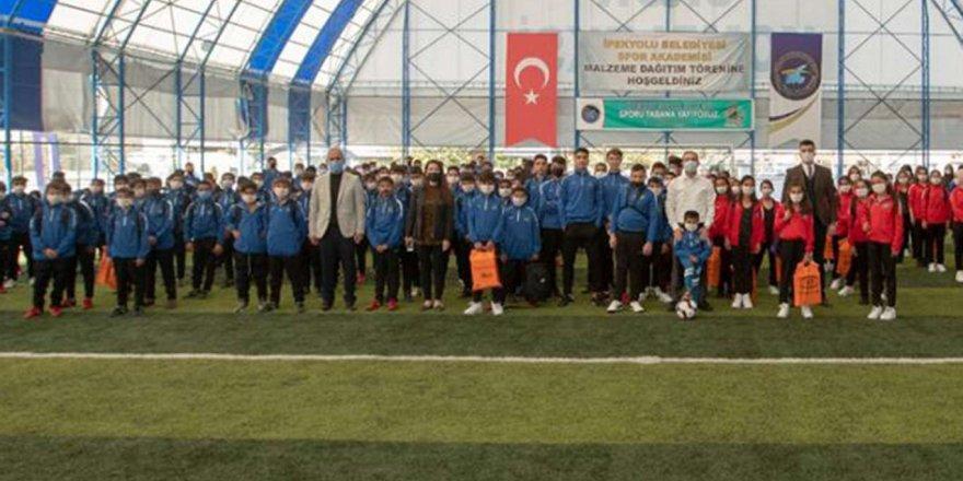 İpekyolu Belediyesi'nden Gençlik Ve Spor İle İlgili Projelere Destek