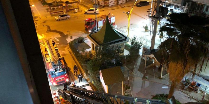 Yanan Otelin 5'inci Katından Atlayan Kişi Yaralandı