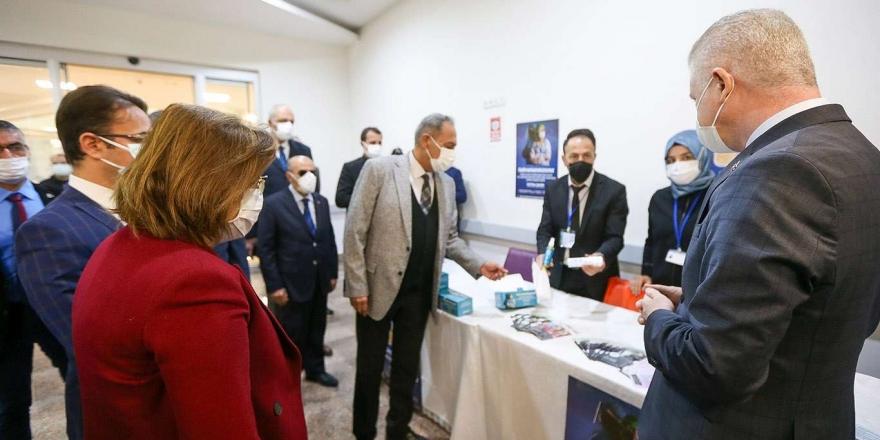 Gaziantep Valisi Gül, Aşı Olan Yaşlıları Ziyaret Etti