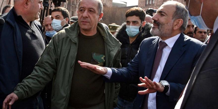 Ermenistan Ordusu Tarafından İstifası İstenen Paşinyan Askerlere Seslendi