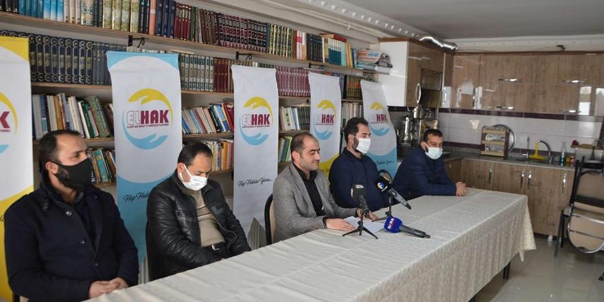elhak Platformu: İdeolojilerden Arındırılmış Yeni Anayasa Fikrini Destekliyoruz
