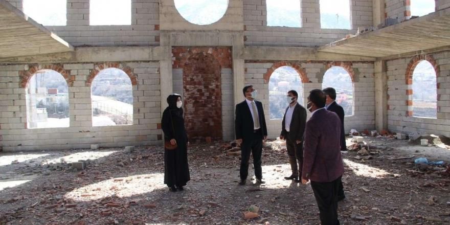 Batman İl Müftüsü Erhan'dan Camii İnşaatlarında İnceleme