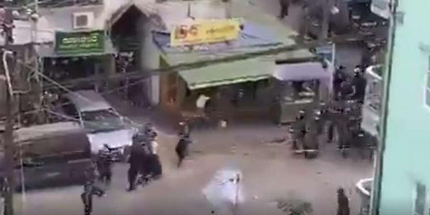 Myanmar'da Göstericilere Ateş Açıldı: 18 Ölü