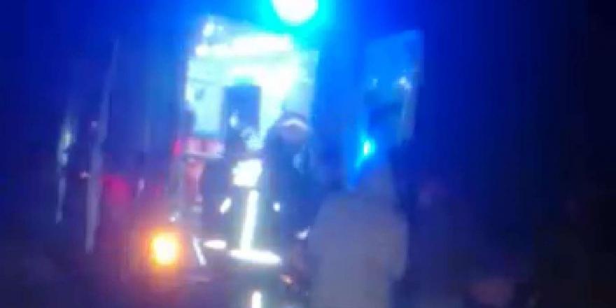 Kamyona Arkadan Çarpan Otomobilin Sürücüsü Yaralandı