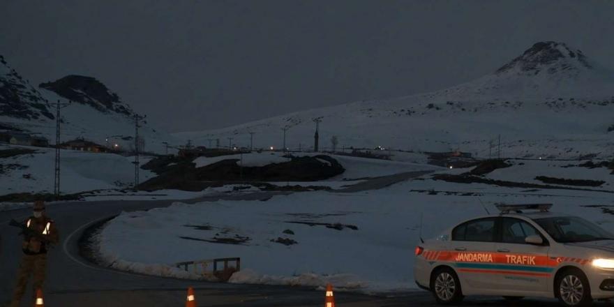 Bitlis'te Düşen Helikopterin Enkaz Kaldırma Çalışması Tamamlandı