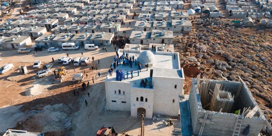 """İdlip'de Çadırda Kalanlar İçin Başlatılan """"briket Ev"""" Kampanyası Devam Ediyor"""