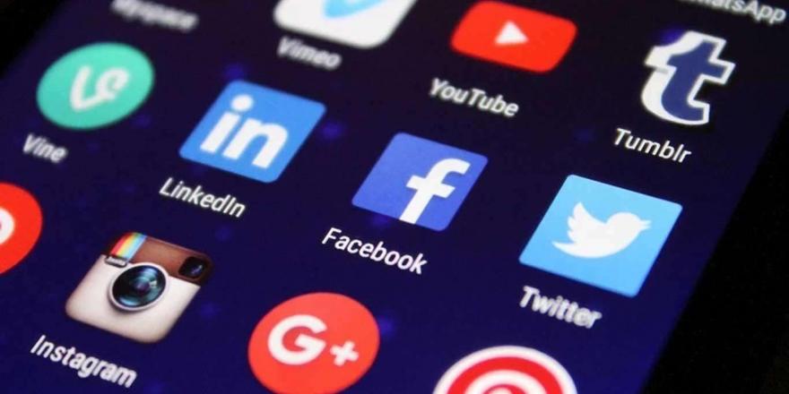 gençler Sosyal Medyayı Nasıl Kullanmalı?