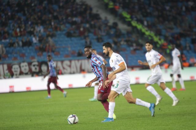 Trabzonspor Kendi Evinde Alanyaspor İle 1-1 Berabere Kaldı