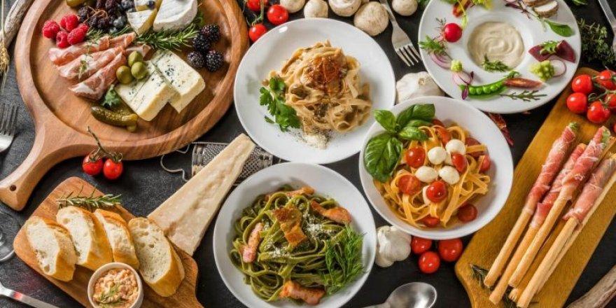İtalyan Yemekleri ile Hazırlanmış Bir Sofra Tarifi