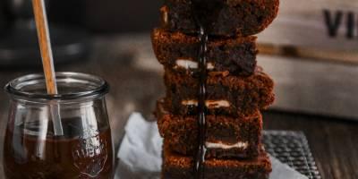 Enis Arıkan ile Bol Çikolatalı Brownie Yaptık! Nefis Browni Tarifi