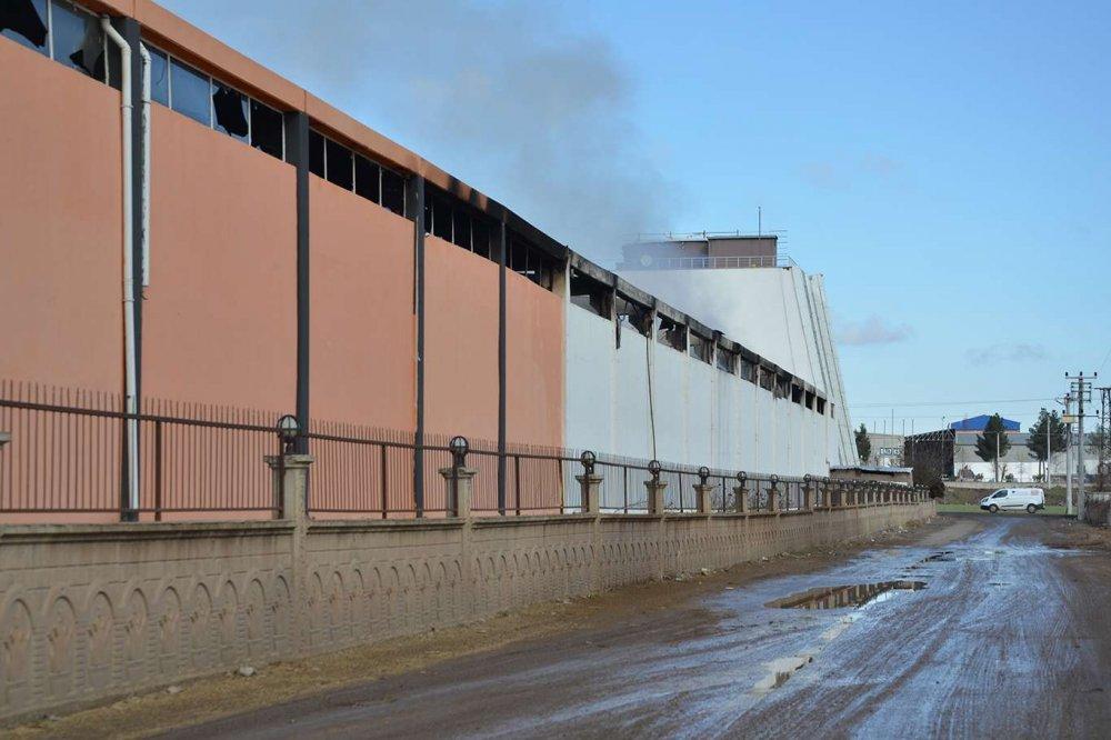 Boya Fabrikasında Çıkan Yangın Büyük Maddi Zarara Sebep Oldu