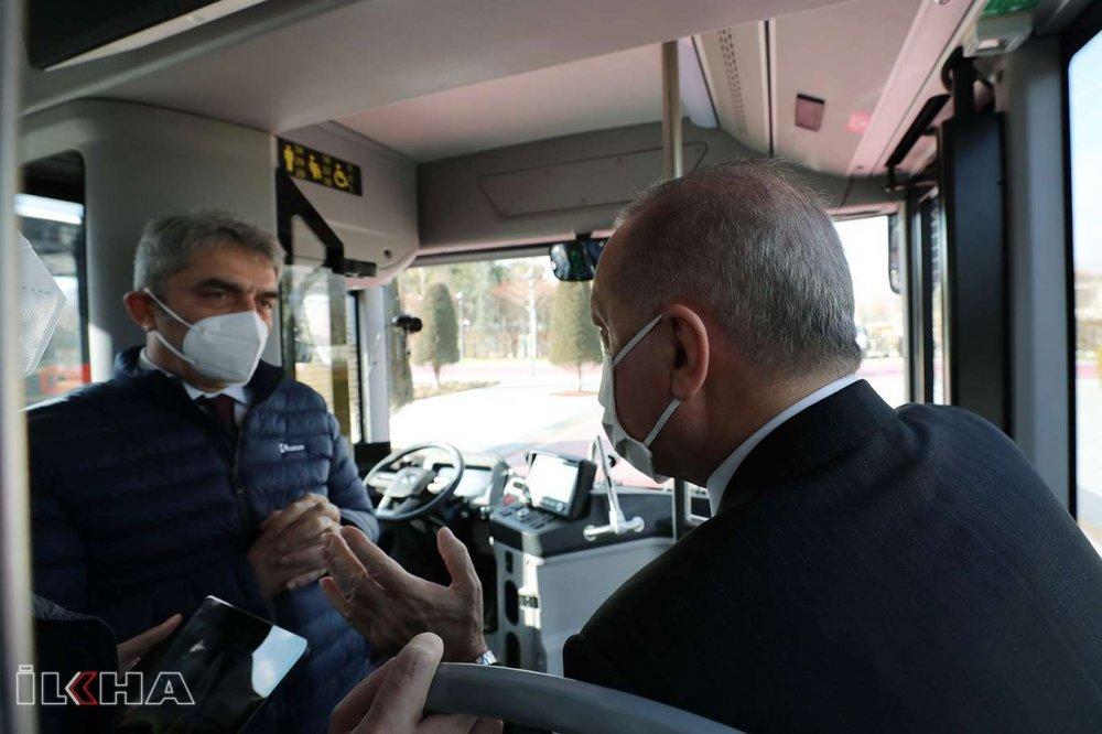 Başkan Erdoğan Elektrikli Sürücüsüz Otobüsü Test Etti! Peki Nasıl Çalışıyor