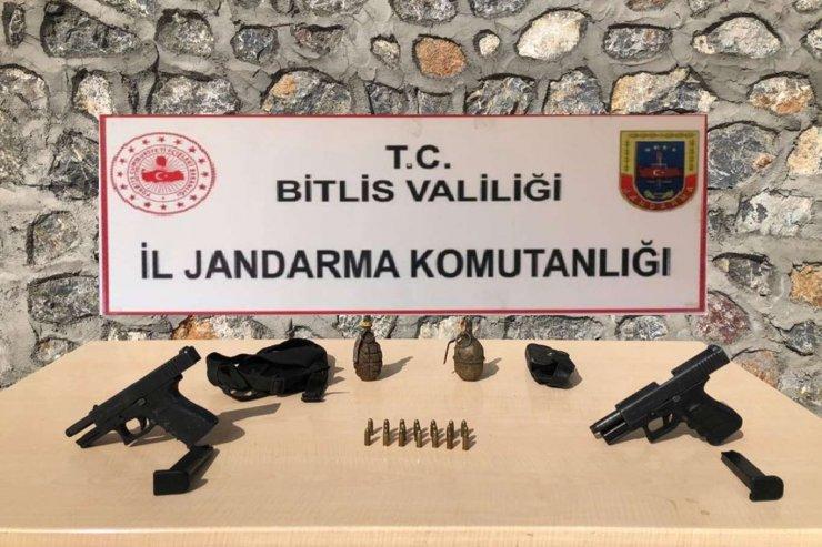 Bitlis Kırsalında Silah Ve Mühimmat Ele Geçirildi