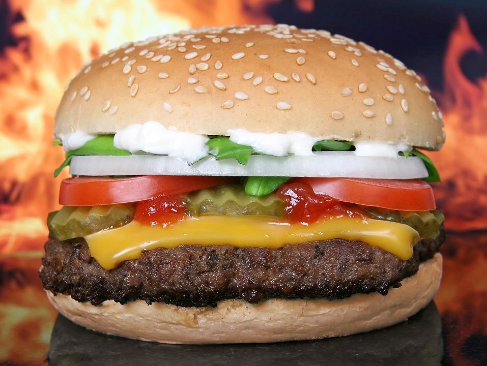 dev-hamburger-tarifi-evde-hamburger-nasil-yapilir-nefis-tarif-002.jpg