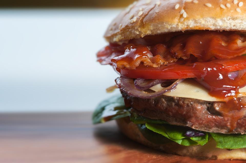 dev-hamburger-tarifi-evde-hamburger-nasil-yapilir-nefis-tarif.jpg